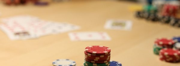 Domino Poker: What is it & How do You Play?